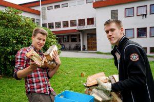 Mathias og Per har fått nye leker