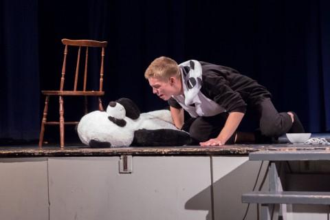 Pandaskuespill med simulert pandasamleie